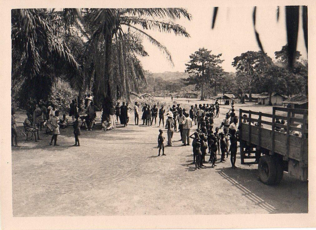 1930. Западноафриканская деревня