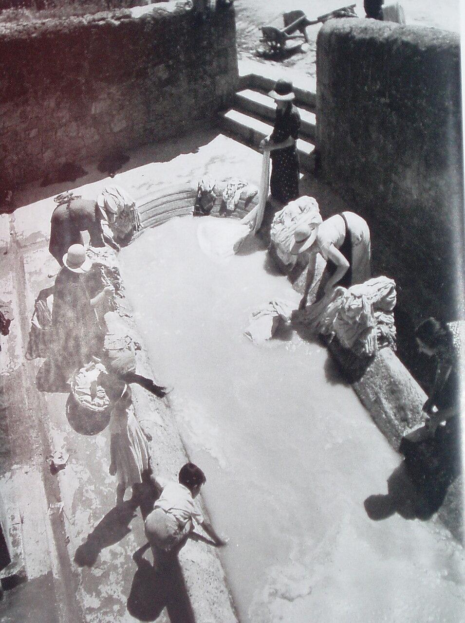1937. Прачки
