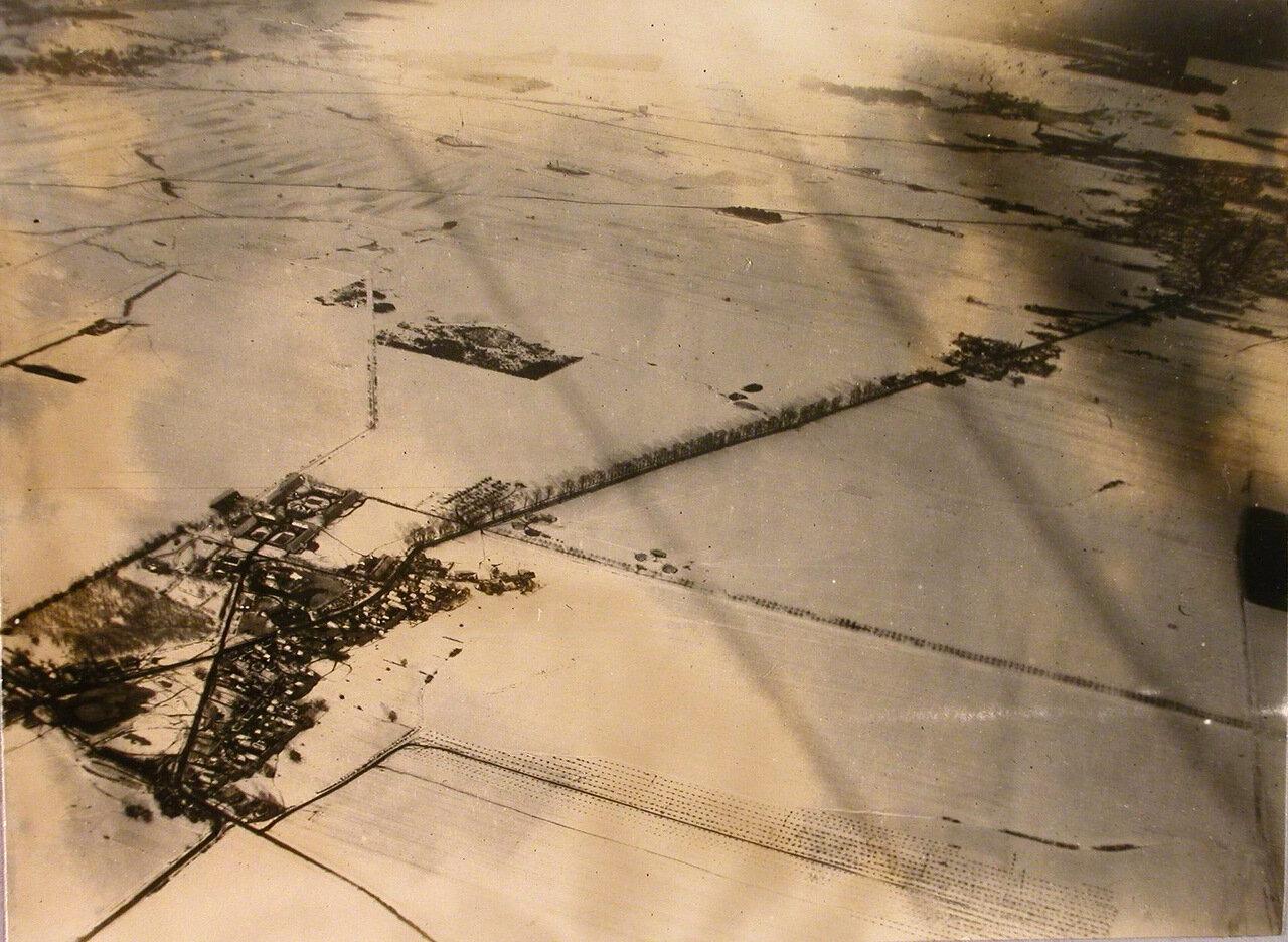 25. Вид на четырехмесячную стоянку авиаотряда с высоты 1200 метров. Февраль 1915. Радомская губерния, ст. Конск