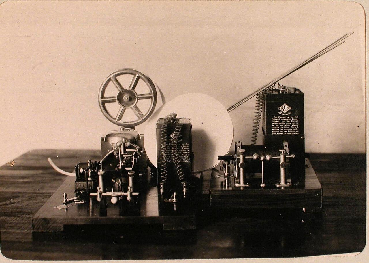 24. Беспроволочный телеграф, установленный в одном из учебных классов авиароты. Псков