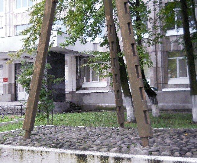 Фрагмент памятника гребцам галерного флота