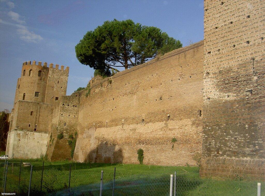 Городская стена.