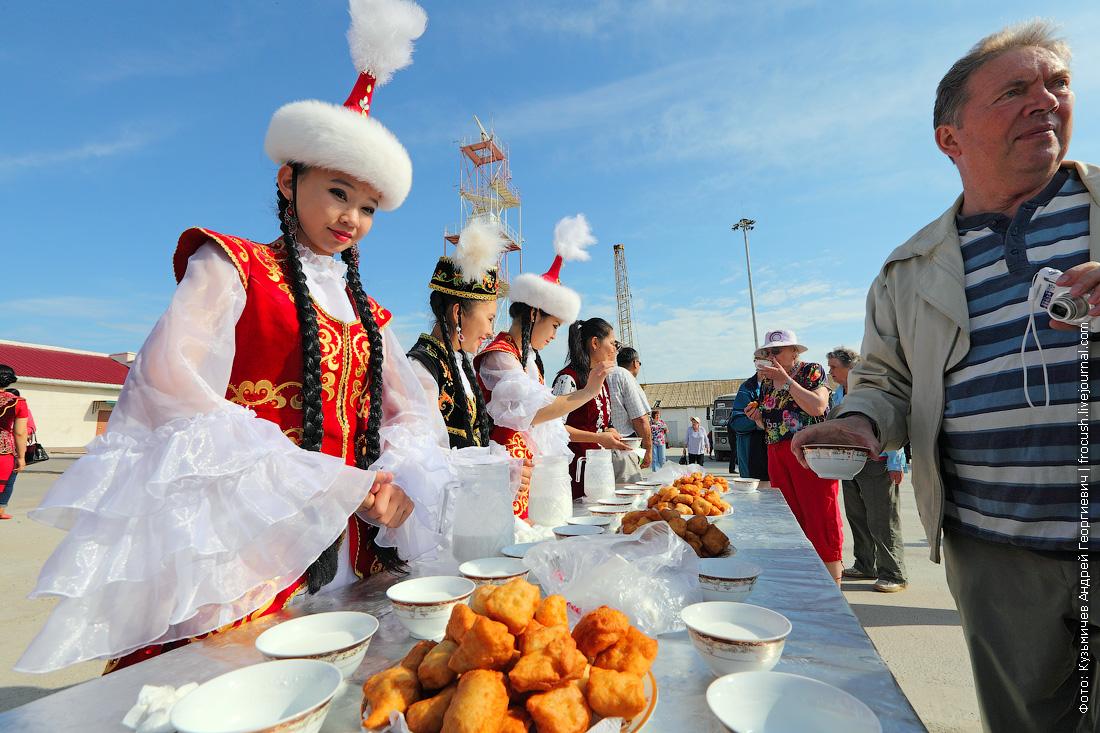 втреча туристов теплохода Русь Великая в Казахстане порт Баутино