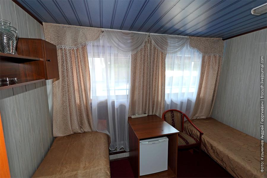 Двухместная каюта увеличенной площади с удобствами №24 на средней палубе. Категория каюты А2+(I). Кондиционер и две односпальные кровати в каюте. Теплоход «Башкортостан»