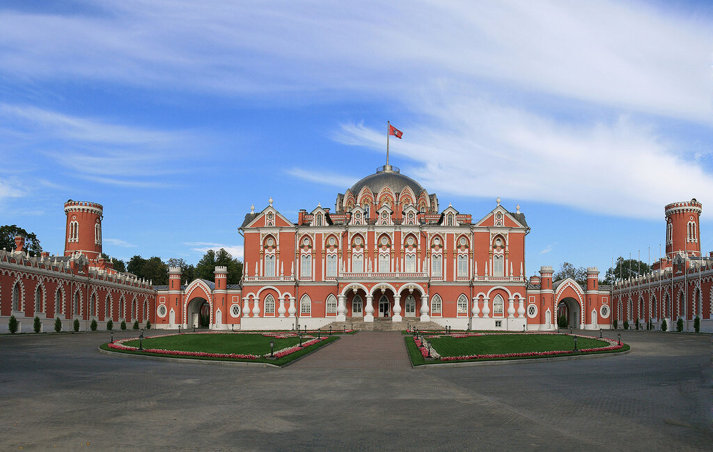 Moscow_PetrovskyPalace1p.jpg