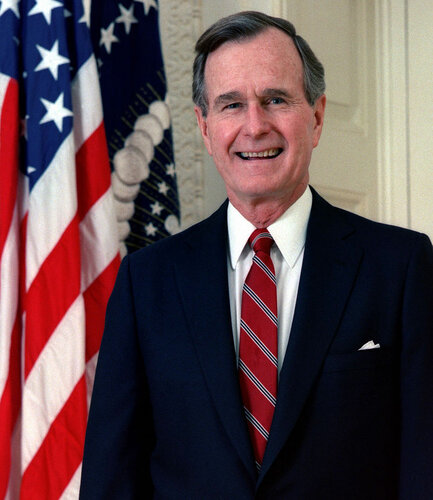 800px-George_H._W._Bush,_President_of_the_United_States,_1989_official_portrait.jpg