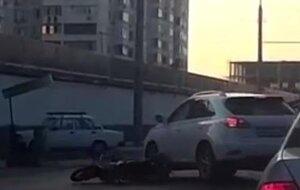 В Краснодаре мотоциклисту переехали голову