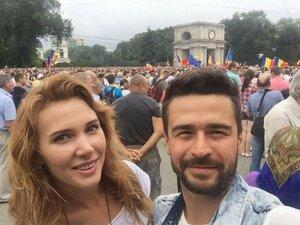 Паша Парфений отказался от концерта и вышел на митинг