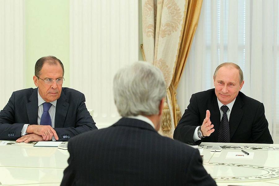Путин, Лавров и Керри.png