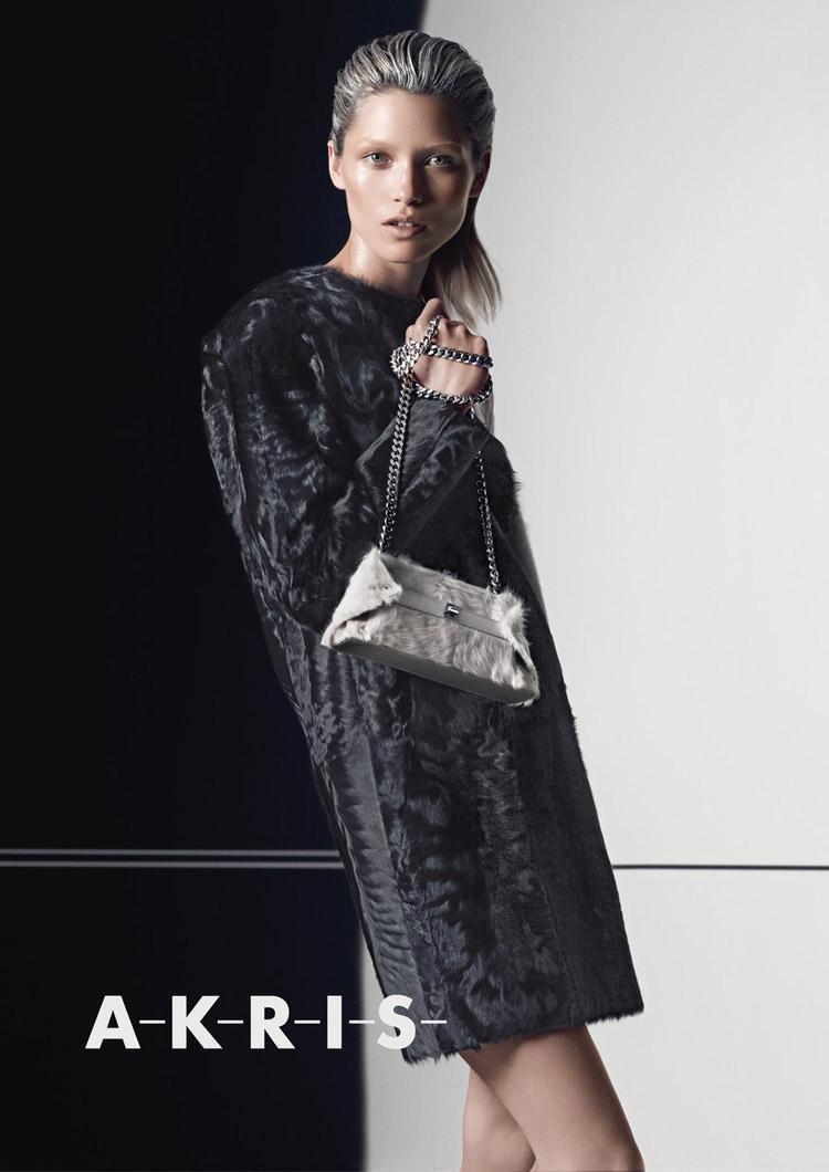 Хана Жирикова (Hana Jirickova) в рекламной фотосессии для Akris