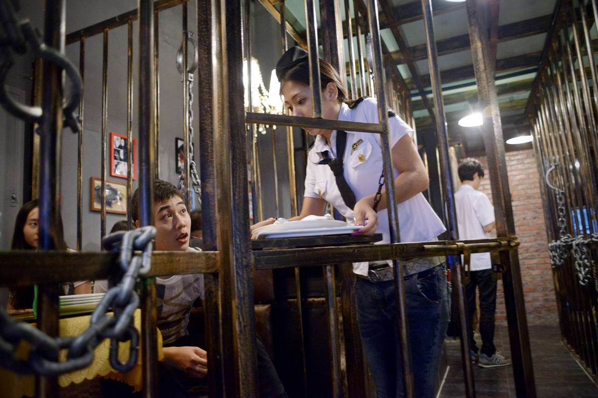 Китайское гостеприимство: Добро пожаловать в ресторан - тюрьму (1)