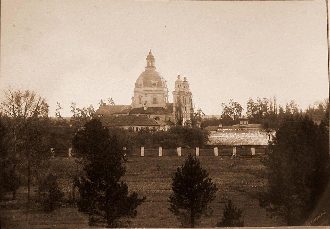 16. Вид на собор и колокольню Пожайского монастыря