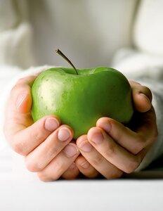 Как ухаживать за ногтями во время диеты?