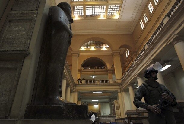 A member of the Egyptian Army special forces patrols in the Egyptian Museum in Cairo