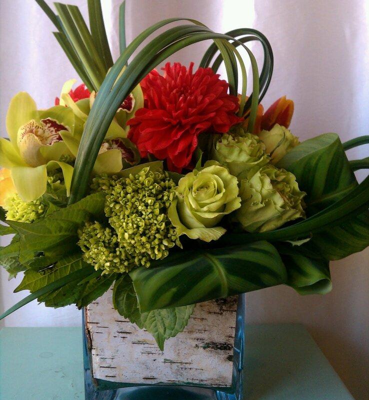 Необычные цветочные композиции из живых цветов своими руками 84