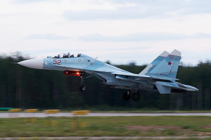 Сухой Су-27УБП (RF-90754 / 52 красный) D806854e