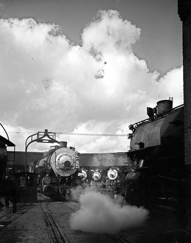 Locomotive 914, Maintenance, Southern Pacific Railroad. Houston, Texas, 1951