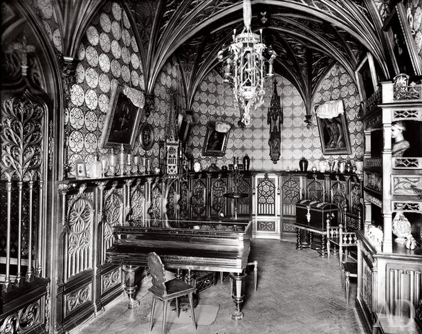 Готическая музыкальная комната