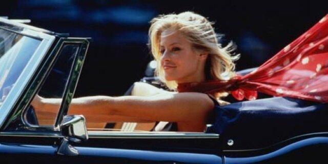 Девушка за рулём.jpg
