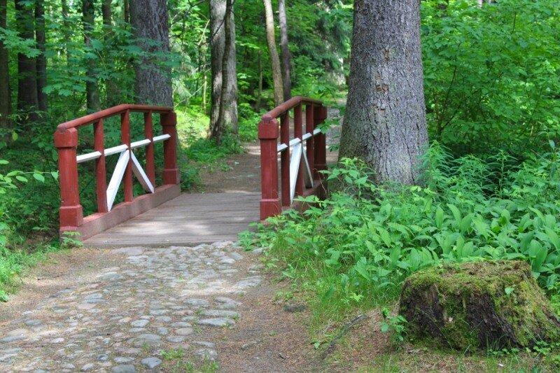 Красный мостик