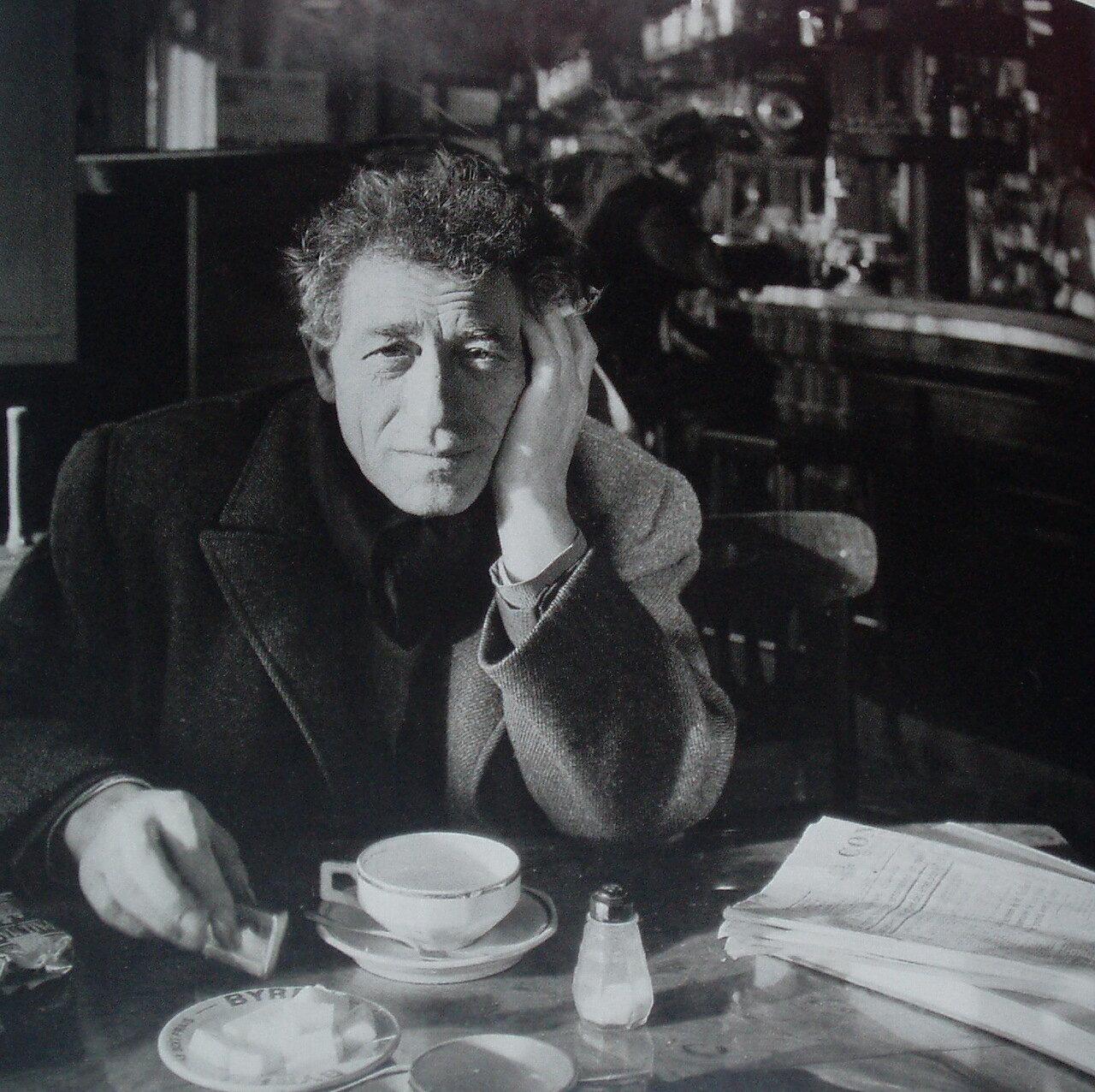 1958. Альберто Джакометти в кафе