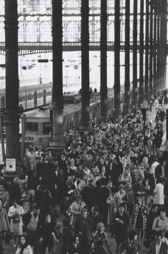 1971. На парижском вокзале