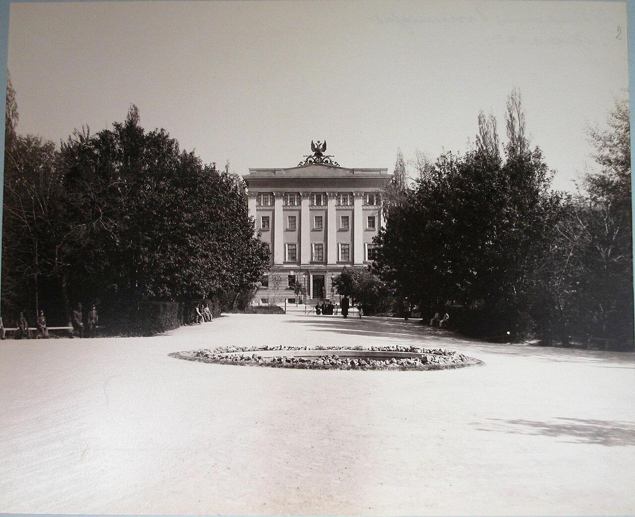 02. Вид главного фасада Первой Киевской гимназии
