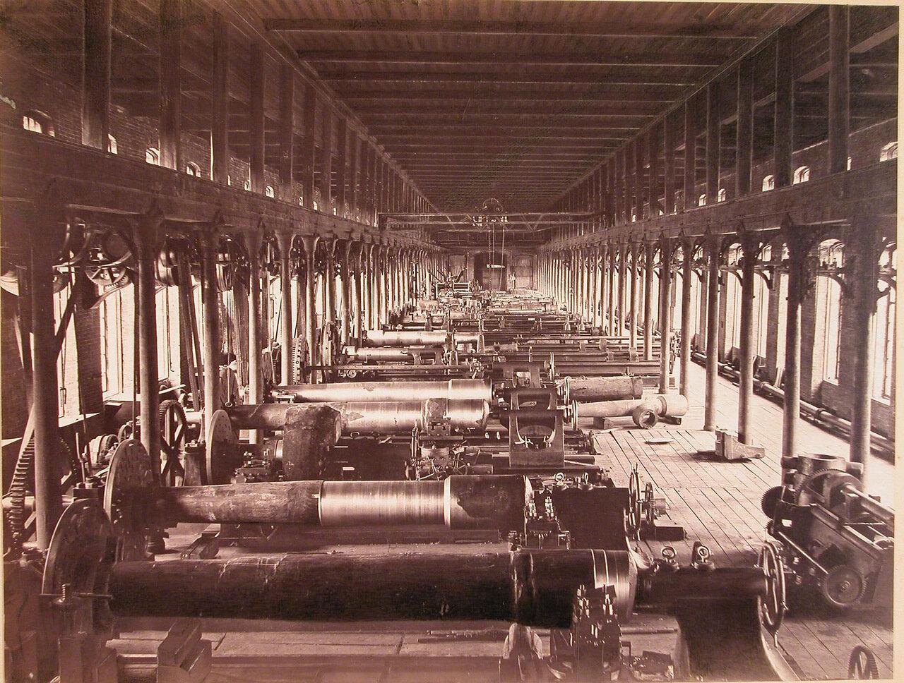11. Внутренний вид пушечно-отделочной мастерской № 11 завода