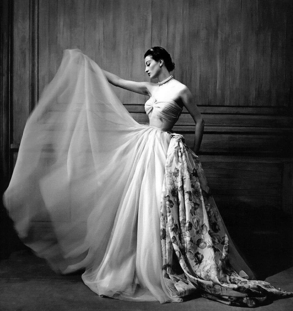 1950. Капучине в вечернем платье от Пьера Кларенса