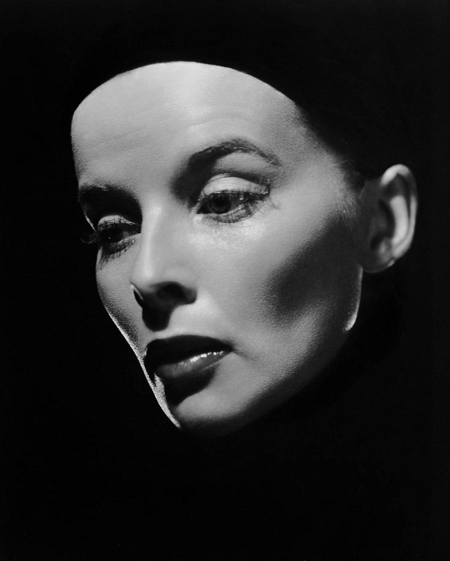 00 Ernest Bachrach, portrait of Katharine Hepburn in Sylvia Scarlett directed by George Cukor, 1935.---.jpg