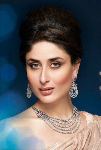 kareena-kapoor-s-malabar-jewellery-new-print-ad_13746364671.jpg