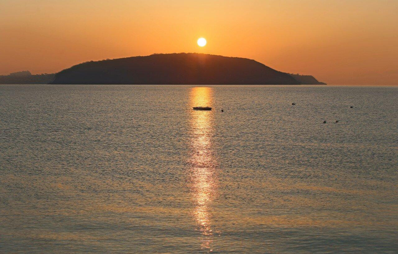 Dawn in Ischia-Ponte
