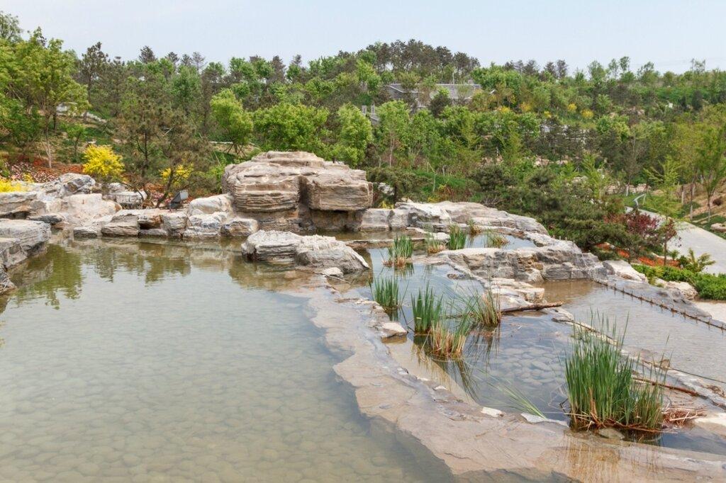 Озера в скалах, Прекрасная долина, парк-выставка садов