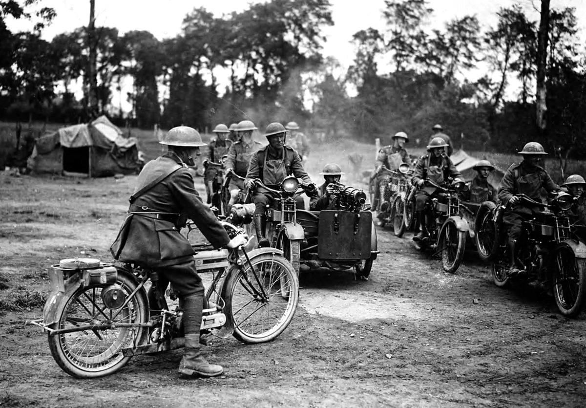 Мотоциклетное пулеметное подразделение на территории Франции (1918 год) (16)