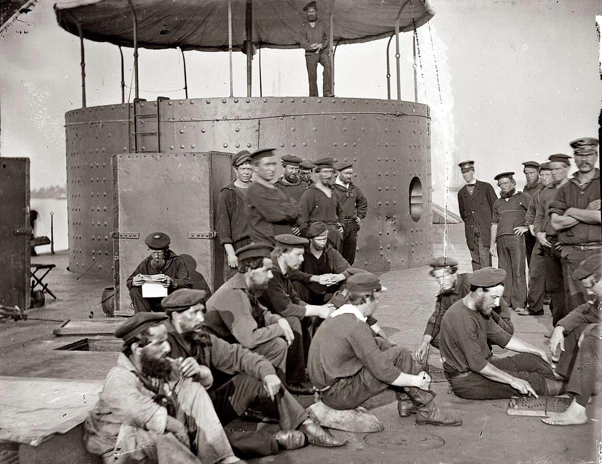 Корабли, речные суда и военные моряки на снимках американских фотографов конца 19 века (2)