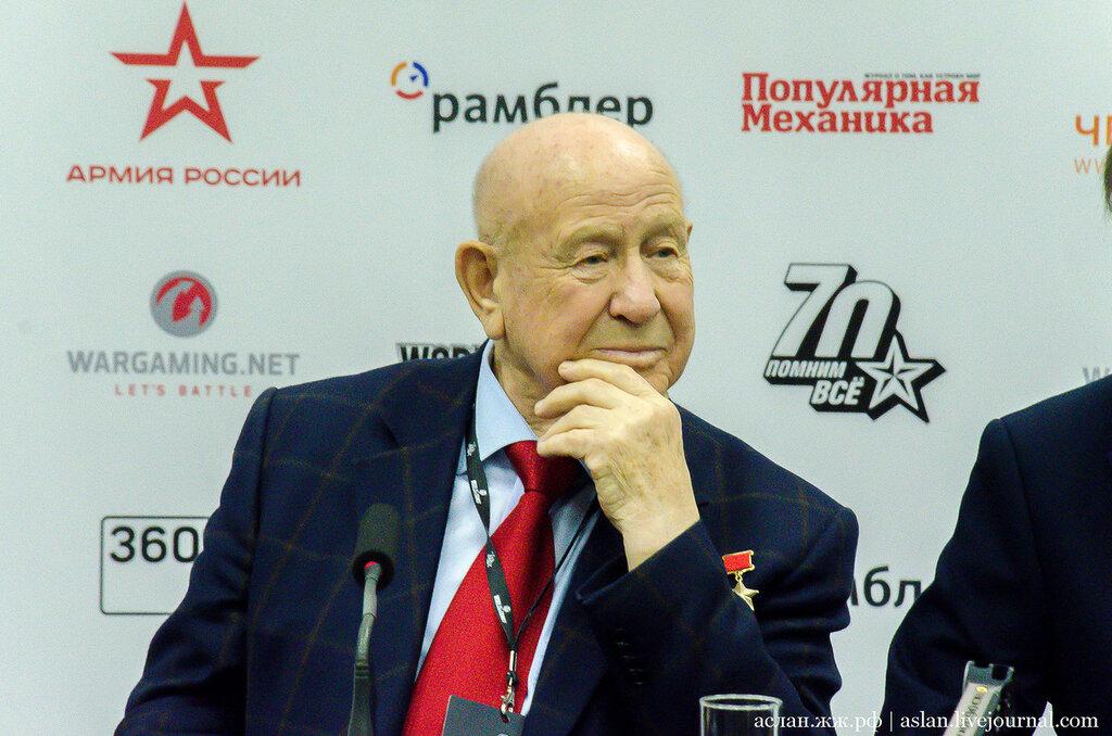 """Снимал ли Кубрик астронавтов на """"Луне"""" и был ли Гагарин в космосе?"""