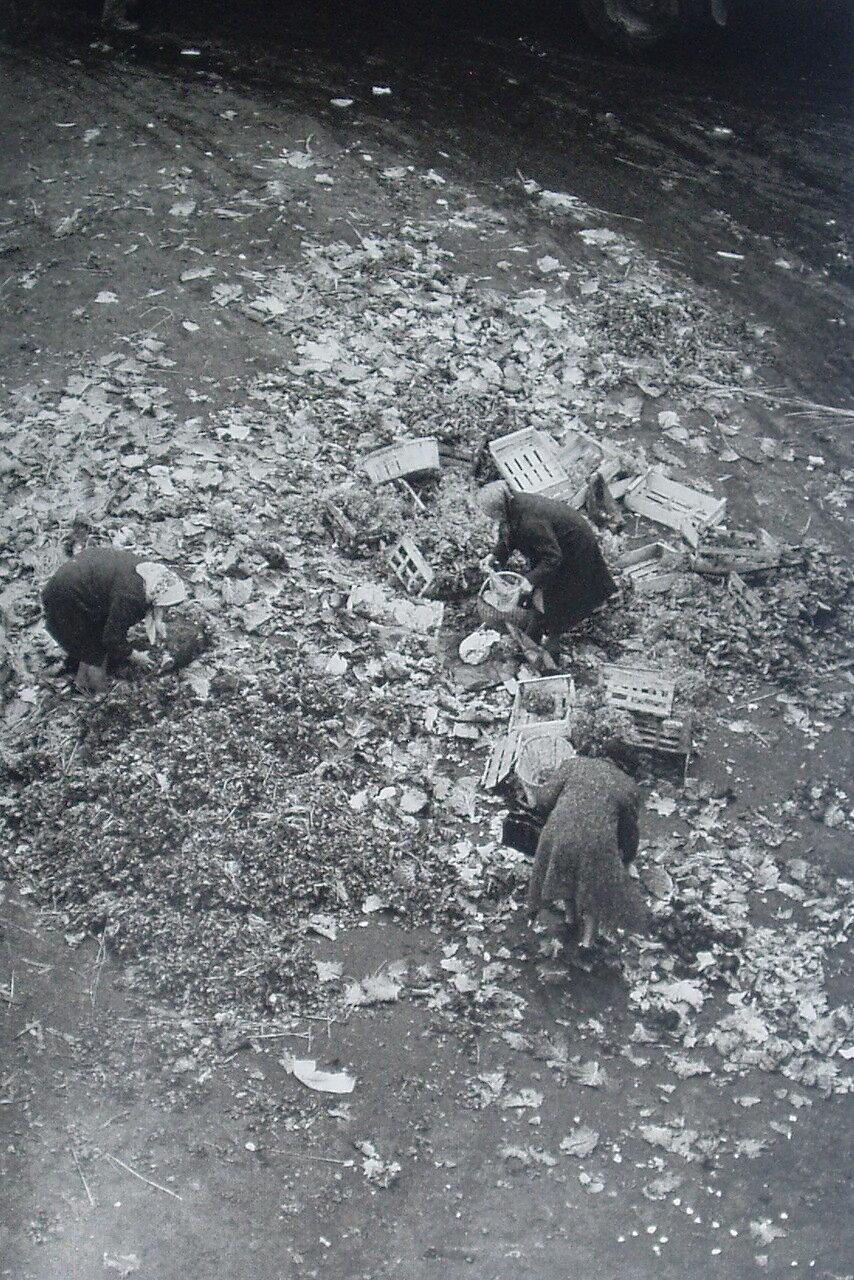 1961. После закрытия рынка в Ле-Аль