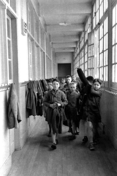 1956. Школьная раздевалка