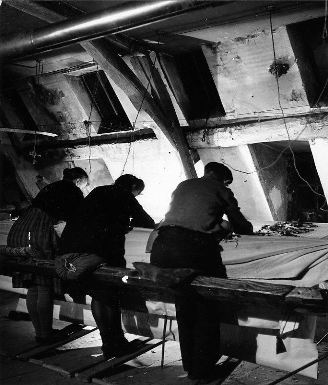 1945. Мастерская по пошиву