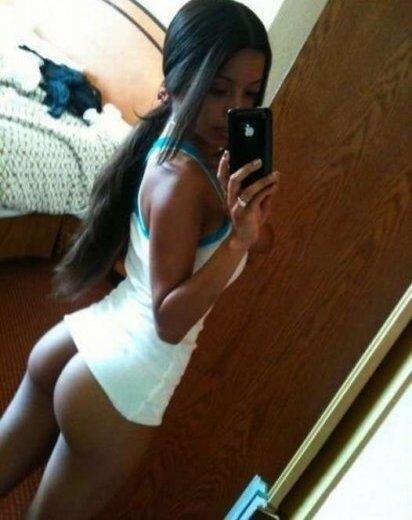 Sexy self shot / сексуальные голые девушки фотографируют себя в зеркале.