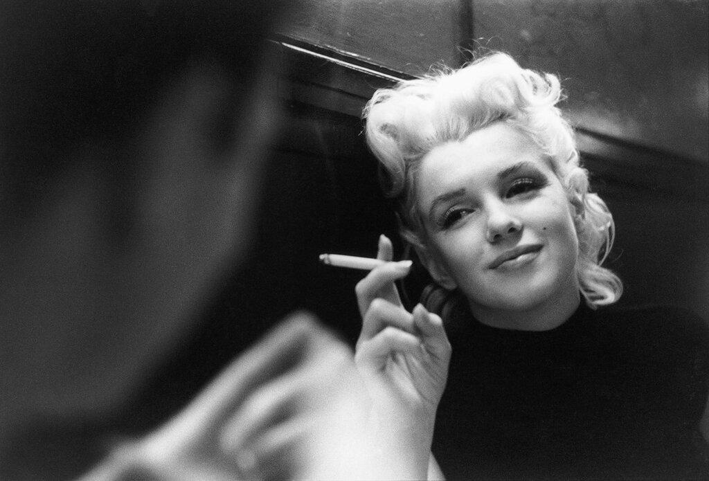 Старые фото известных актрис с сигаретой