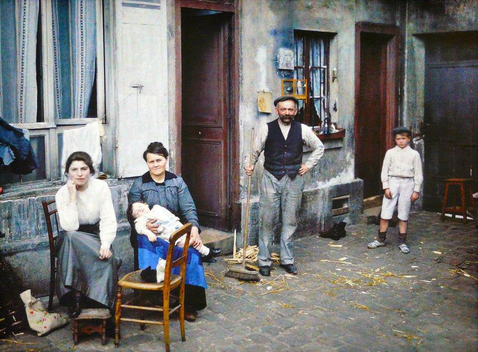 1914 Famille Rue du Pot de Fer 24 juin 1914.jpg