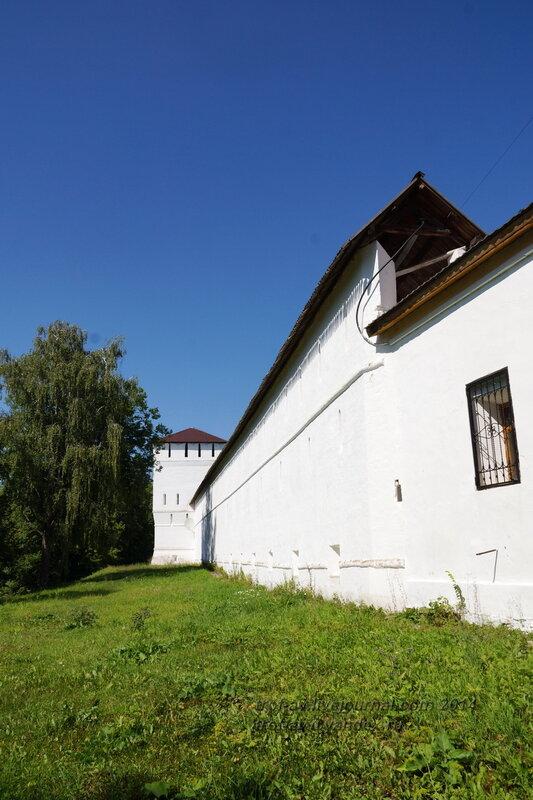 Крепостные стены и Тайницкая башня, Свято-Пафнутиев Боровский монастырь