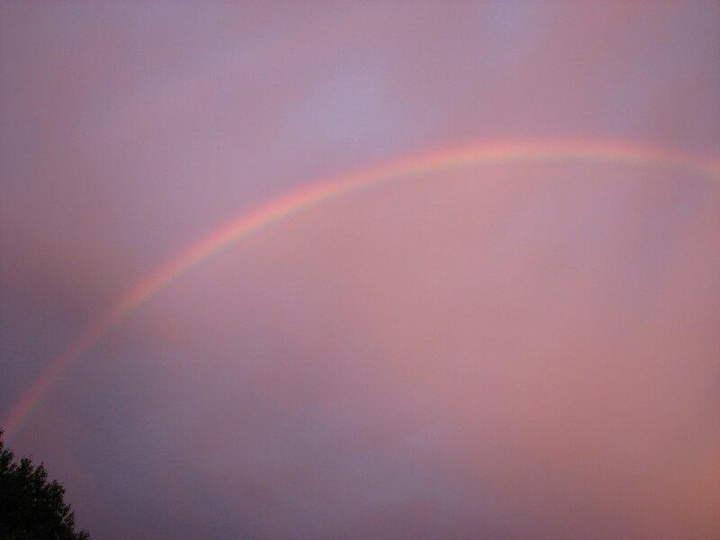 Радуга 2012.06.28 21:36 (Canon S3)