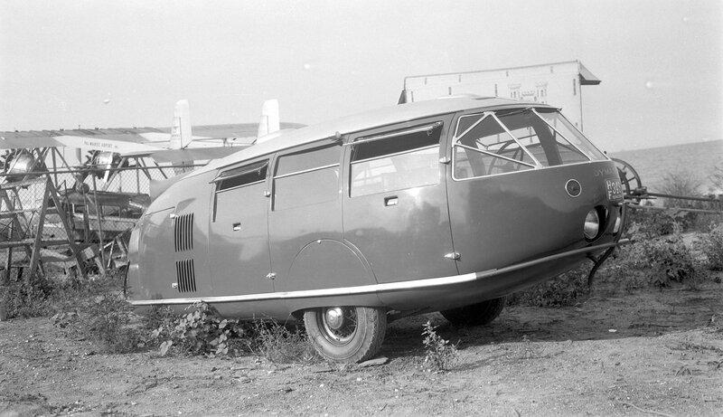 Dymax bus. Three-wheeled minibus, Chicago, Ill., August 2, 1934
