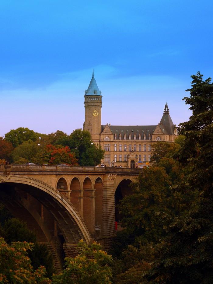 20. Вианден, главный туристический центр Люксембурга, славится музеем Виктора Гюго. Вы также можете
