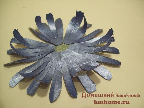 Хризантема  из искусственной кожи