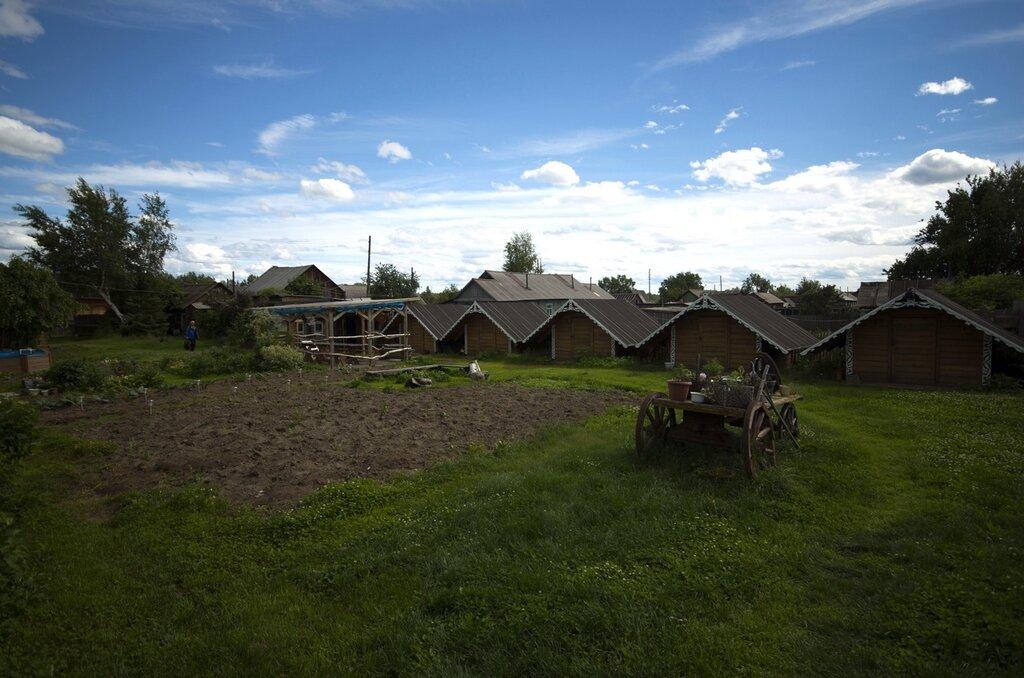двор с гостевыми домиками у Марии IMGP7326.jpg
