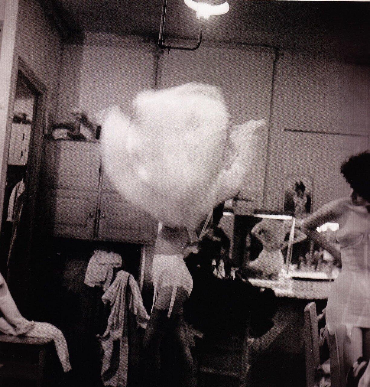 1958. Гримерная моделей Ланвин