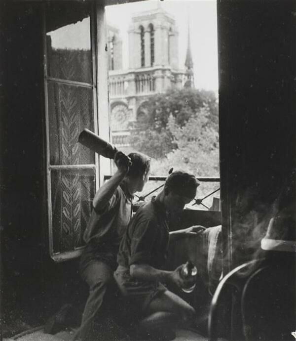 1944. Коктель Молотова на улице Петит Понт